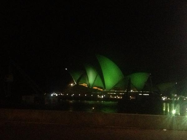 Sydney Opera House lit up to shine the limelight on Lymphoma 4 World Lymphoma Day - a beautiful idea for a big issue http://t.co/W36ZhutkFD