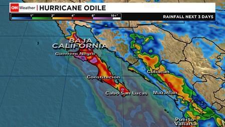 Hurricane #Odile intensifies slightly as it nears the Baja coast. Max sustained wind 135mph/215kph & very heavy rain http://t.co/ct7q45zhXg
