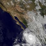 RT @webcamsdemexico: Imagen Satelital de México y Súper Huracán #Odile (NASA) vía @CNNMex http://t.co/O4AsxNtJGg http://t.co/5fm7BAAgaz