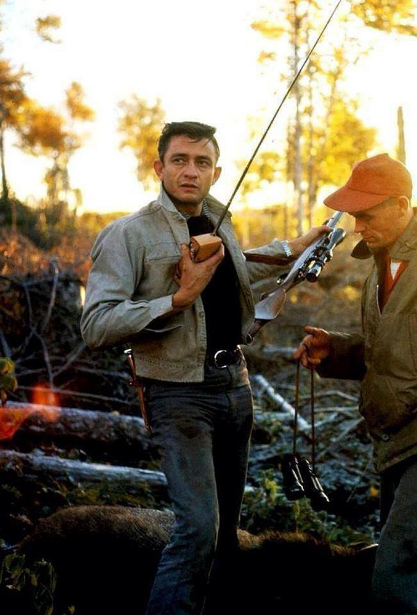Johnny Cash frequently hunted moose in Newfoundland. This is a picture of him on the island in 1961. http://t.co/pu2LKFJZsT