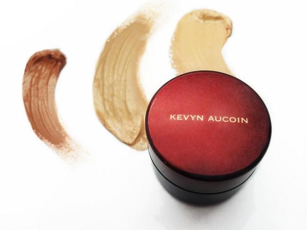 Do you believe in miracles? We do, Sensual Skin Enhancer is Celebrity MUA's secret weapon #KevynAucoin @beautylish http://t.co/DHKr6w2XLS