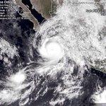 RT @RadioTuiterosMx: #Alerta #Odile Se mueve rápidamente hacia BCS, llegará esta noche el ojo estará muy cerca de Cabos San Lucas RT http://t.co/R3ICjwclU5