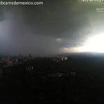 """""""@webcamsdemexico: Se cae el cielo en la Ciudad de México en este momento. Vista Chapultepec: http://t.co/T0oiGQjogM"""""""