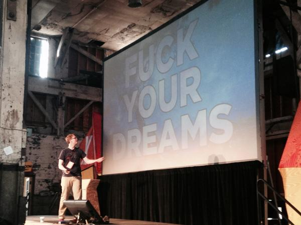 Hank Green would like to talk about your dreams. #xoxofest http://t.co/R7RSYMI1qa