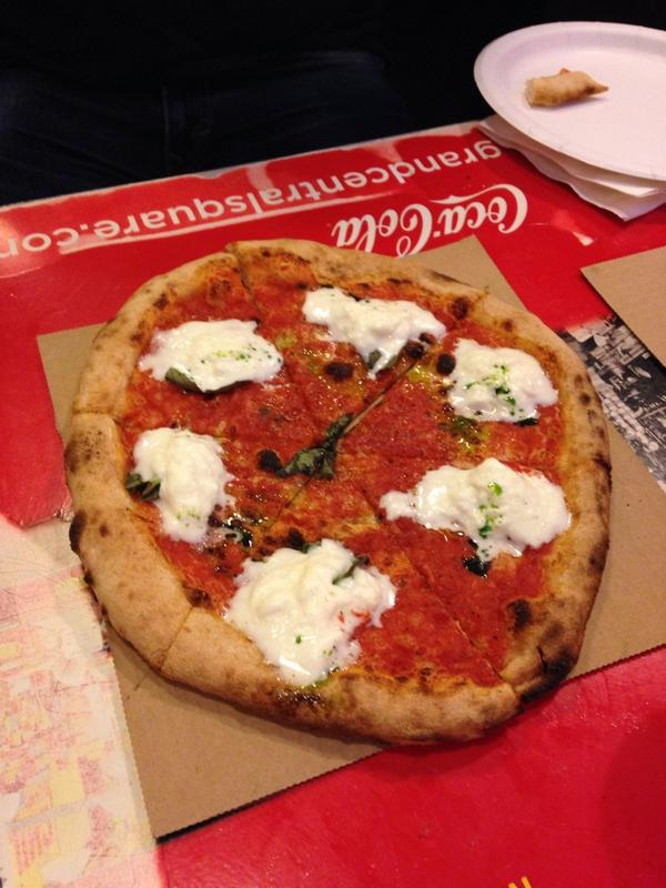 Grand Central Market's new @oliopizza cooks on just three minutes. This one has burrata for $10.50 - some are just $8 http://t.co/bDHHlerqp0