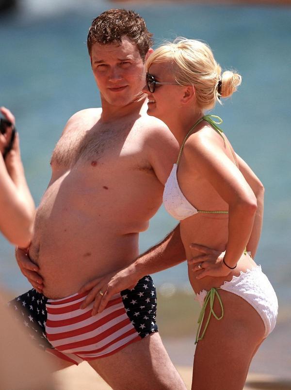 「CGで筋肉を描くから大丈夫だよ」というジェームズ・ガンの冗談を真に受けて、いつまでたってもダイエットを始めようとしなかった頃のクリス・プラットと、その嫁アナ・ファリス。 http://t.co/XR9lxeE66b