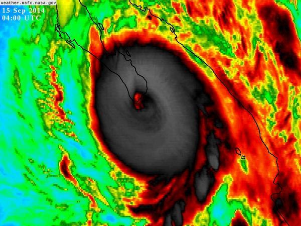 PELIGRO-URGENTE. El ojo del huracán #ODILE categoría 3 está tocando tierra entre San José del Cabo y Cabo San Lucas. http://t.co/zvJSMiztWf