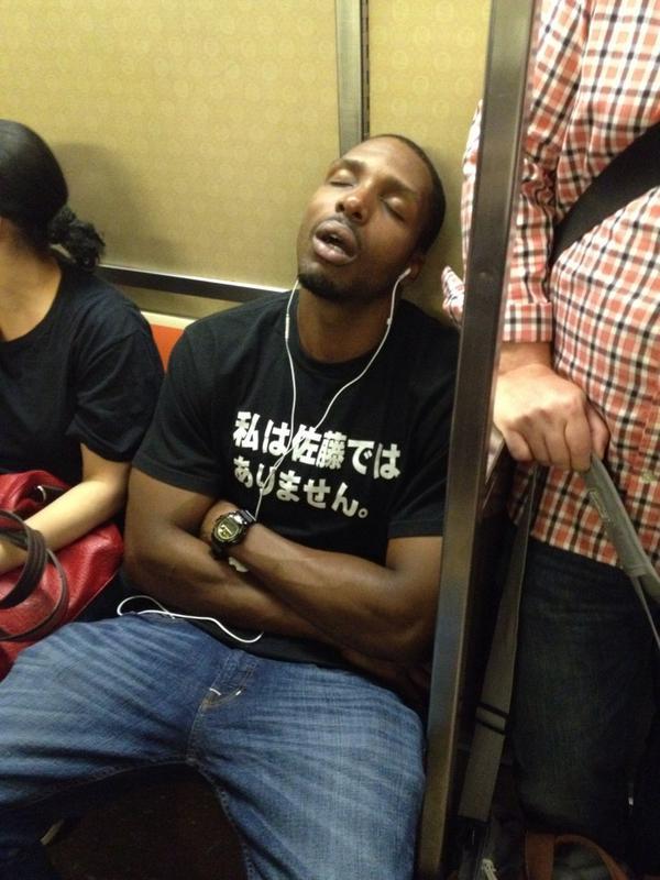 昨日ニューヨークの地下鉄にいた人。吹いたし。www http://t.co/d4Ah9LkHbR