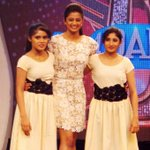 RT @PriyaManiWeb: [Unseen Pictures] 1/9  @priyamani6  on the sets of #D4Dance:-) http://t.co/NGLxtbK3ez