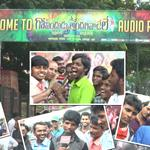 #RamCharan fans hungama at #GovinduduAndarivadele Audio Launch Venue Watch Video Here ---> http://t.co/NaeedLvs5v http://t.co/xfSGjhR0oO