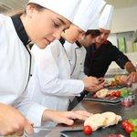 RT @Le_Figaro: #orientation #emploi Apprentissage : la grand-messe de la dernière chance >> http://t.co/sdRf9oAuIV http://t.co/Vhq9QDqqXN