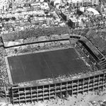 RT @paisajehistoria: Estadio Ramón Sánchez-Pizjuán, #Sevilla en 1970. Pertenece al @SevillaFC . CC @BalconSevillano @SevillaInsolita http://t.co/bJ6kTTKbqZ