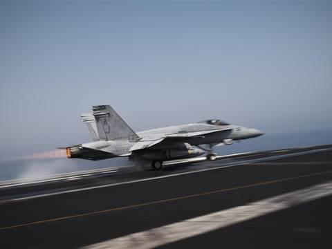 BREAKING: U.S. launches first offensive airstrikes against ISIS near Baghdad http://t.co/XPOLW18Xk8 http://t.co/06DDC5DTnx