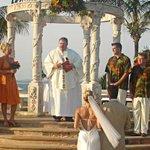 Certificarán en #Mazatlán a profesionales en bodas destino y turismo de romance @gobsinaloa @Go_Mazatlan @WeddingWire http://t.co/uQpljBz97T