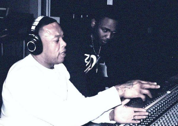 .@KendrickLamar Reveals Upcoming Album To Feature @DrDre Production, No Guests http://t.co/Thh0QbYxqV http://t.co/B2kFugU3Ss