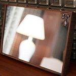 [明日発売] Q-pot.×シャープの板チョコ液晶テレビ - 電源オフでミラーにも変身 - http://t.co/NObjO9YJPq http://t.co/2gDz7BbHWk