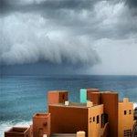 RT @CabosNews: En esta foto se ve como poco a poco iba llegando el huracán Odile a Los Cabos la tarde de ayer. El huracán Odile ... http://t.co/Oe2d2U2c9Q