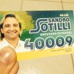 """RT @SandroSotigol: ISSO NÃO É UM """"SANTINHO"""". ISSO É UM """"DEUS"""". http://t.co/GV89EV6rLt"""