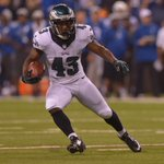 #Eagles RBs got it done and #MNF is all tied up at 20. #FlyEaglesFly http://t.co/CVWaDtdiHW