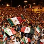 """Llevan a """"acarreados"""" de Tultitlán al #Zócalo http://t.co/O6jSxlV67m http://t.co/dor0kQNgCO"""