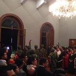 Todo listo para que el Gobernador @GabinoCue acompañado del Presidente @JavierVillacana de el tradicional grito. http://t.co/bNJy6mR3JZ