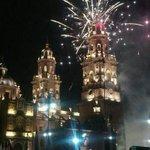 La Catedral de #Morelia después del grito http://t.co/N17o55odlV