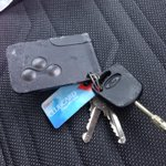@telfordlive found set keys gatcombe way, priorslee. 4 keys, ford key and megane key card.Pls share get back to owner http://t.co/bbIctSfEEZ