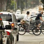 RT @KTLA: A state law requiring drivers give a 3-foot buffer when passing bicyclists is now in effect http://t.co/ptBCtTRp0y http://t.co/mauSpd5zBI