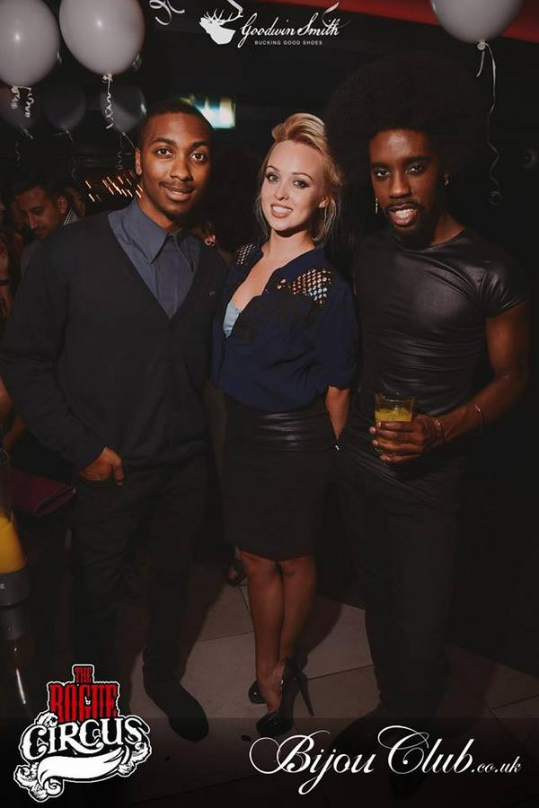 Hope you all had a good night. Was great seeing you down again @misJORGIEPORTER @jskychat @Marcquelle http://t.co/WlOhy4Yd1d