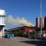 Savua tulee Valion tehtaan katolta vielä runsaasti. #tampere http://t.co/k8WEWC7wuY