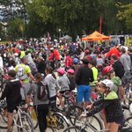 Grosse affluence à loccasion de la 2ème édition du @velotour à #Grenoble http://t.co/XtbfV5KyPk Retour en images http://t.co/HUXAh2bRxX
