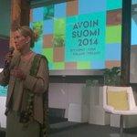 RT @juhasaarnio: #avoin2014 Kysy enemmän, kysy ratkaisukeskeisesti ja ole läsnä muistuttaa Aalto http://t.co/RaJKzWI1Li