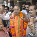 UP #Bypolls: BJP's Ashutosh Tandon bags Lucknow (East) assembly seat http://t.co/OwYW2echMe
