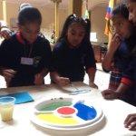 En @CNELoja niñas y niños plasman en lienzos los #ColoresDeLaDemocracia. @JuanPabloPozoB @dagonzalezp @mercurioec http://t.co/nd8QTnRabM