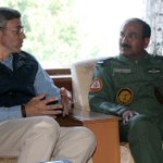 #KashmirFloods Air Chief Marshal Arup Raha with J&K CM @abdullah_omar at Hari Niwas during his visit to Srinagar http://t.co/G9sYWjhwvt