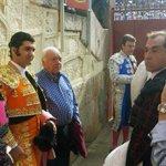 RT @TribunaSal: DIRECTO   Expectación en La Glorieta ante el duelo Morante-Manzanares: http://t.co/FzOgQwHeOF @CHOPERATOROS http://t.co/7VNLtK4Dmt