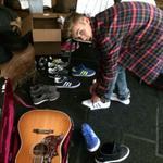 """@justinbieber: photoshoot. #FWIS @adidasNEOlabel http://t.co/nKDeF3GaJt"" abusito mi churri ????????????????"