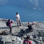 Photographer stunned by family placing baby on a cliff edge in Norway http://t.co/7F9lLAlM6w http://t.co/OS3nmRYMdT