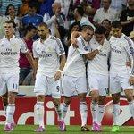 """""""@SelecColombia: @jamesdrodriguez celebrando su gol en Champions con sus compañeros http://t.co/BMtEpykDfJ"""""""