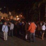 RT @SairamRivas: Decenas de dirigentes, estudiantes, ciudadanos todos a la entrada del Helicoide en espera de @SairamRivas a esta hora http://t.co/cLqYHyO8VY
