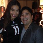 RT @FaribDesignNYC: Enjoying a moment a little star struck the beautiful crazy talented @JordinSparks!!! #NFLFanStyle