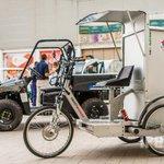Esta mañana en Ifeja jornada Vehículo Eléctrico: El Futuro en la Ciudad. Exposición de vehículos eléctricos de #Jaén http://t.co/vrv5tyVrVe
