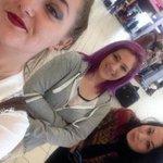 RT @JornalOGlobo: Surpresa: jovem encontra as três namoradas em aeroporto e acaba sozinho. [@BlogPageNFound] http://t.co/C1vuh88YWn http://t.co/2yr87oUs23