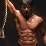 RT @TOIEntertain: 'We don't go into a frenzy when cameras capture SRK's 6-pack abs' http://t.co/0SqBl3zMsO