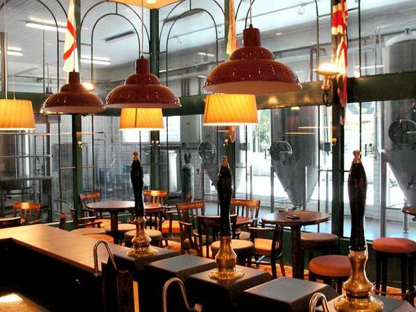 Blumenau ganha cervejaria que valoriza os estilos britânicos da bebida | http://t.co/1bTTHpOzZ2 http://t.co/H0rVxuchoY