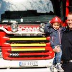 Bli med på åpen brannstasjondag på lørdag fra kl 11 til 14! #brannvernuken #Bergen https://t.co/iTd61Iaw8Y http://t.co/ESGVF08ChH