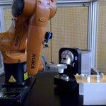 RT @renaudfranck: Je viens de boire mon premier café servi par un robot : il y a de tout au #medialabST #NantesDigitalWeek http://t.co/OXZCsLXCyM
