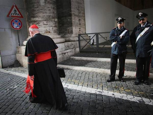 Four kilos of cocaine and cannabis found inside Vatican car http://t.co/17OxG17M28 http://t.co/T7Bw5myaW4