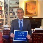 President Salovey wants @CollegeGameDay to #BringItToTheBowl! @leefitting @Yale @Yale_Football http://t.co/tFwu6yQaS4