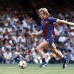 RT @YesScotland: Football legend Steve Archibald signs for Yes http://t.co/VOQ4mMEgip #indyref #COYR http://t.co/DiTouKAFHT